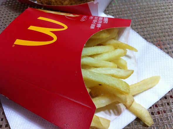 麦当劳,炸鸡翅,鸡腿堡,薯条_zhaonxue的美食日记_豆果