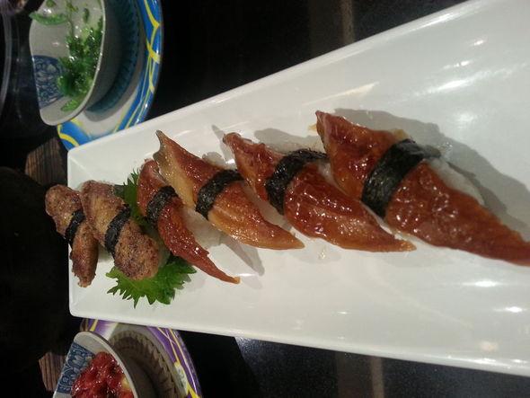 石锅 叶子里/烤三文鱼寿司
