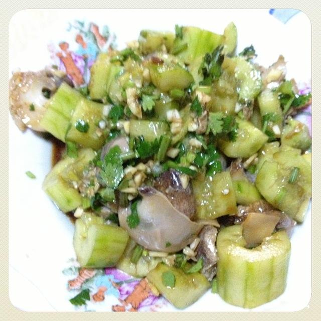 黄瓜拌海螺图片