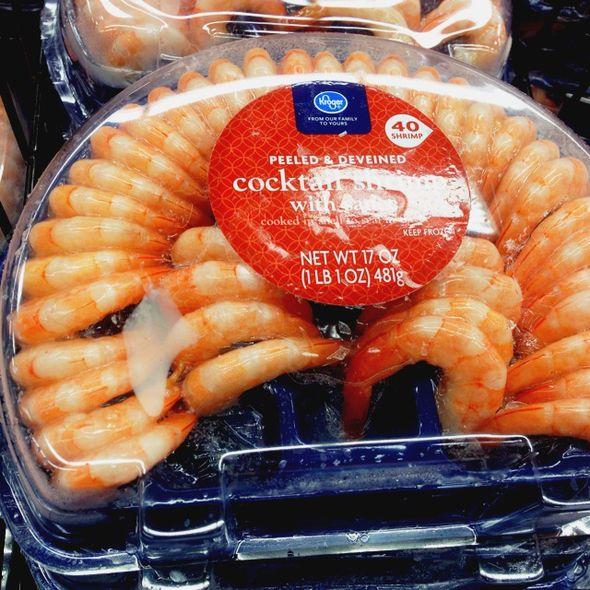 正确剥生虾的方法图解