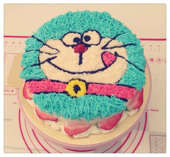 机器猫奶油蛋糕
