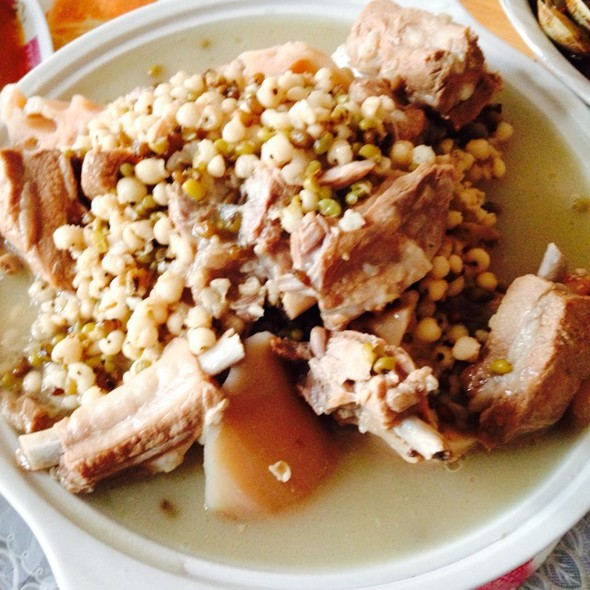 绿豆薏米排骨莲藕汤