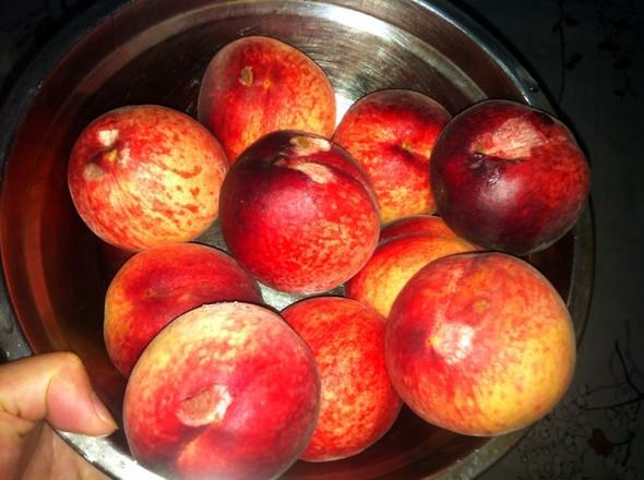 果园摘的桃子_任某某*的美食日记