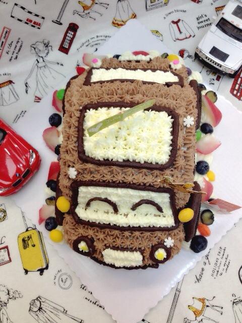 小汽车巧克力奶油蛋糕