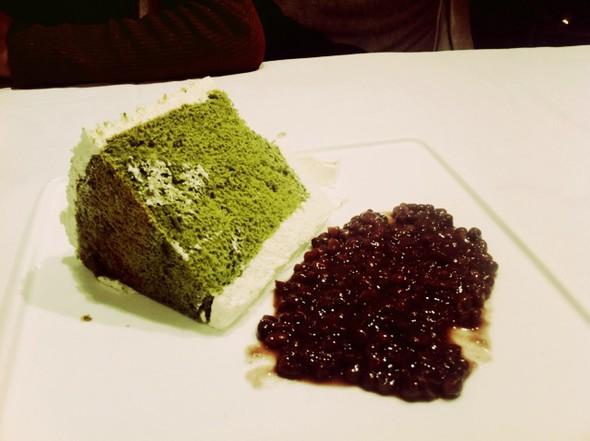 巧克力蛋糕,戚风抹茶红豆,越南纸卷沙拉,三杯鸡,面包