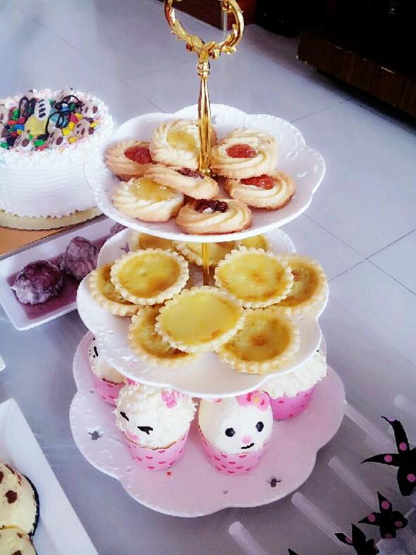 各种兔子羊羊纸杯蛋糕