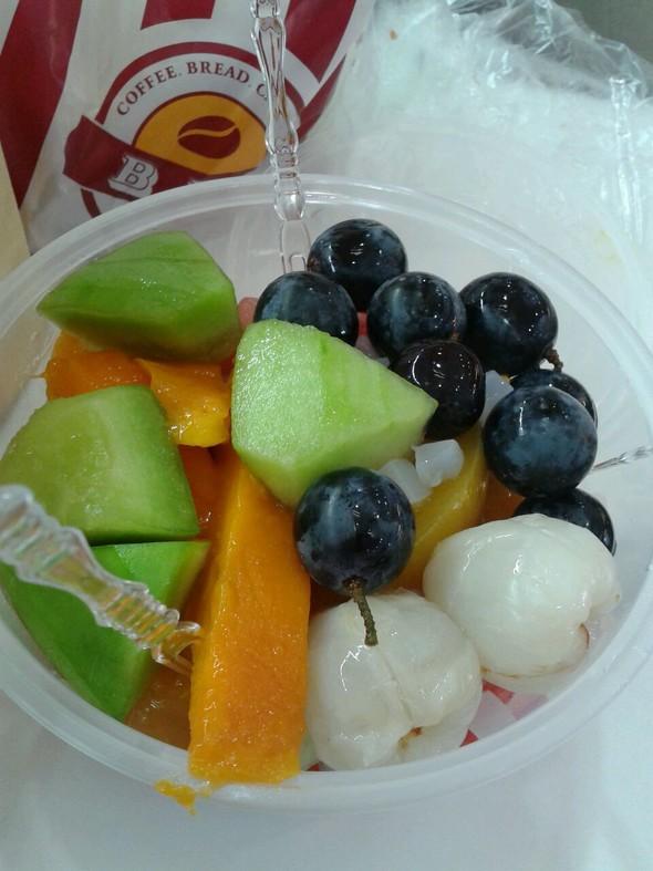 吃水果图片