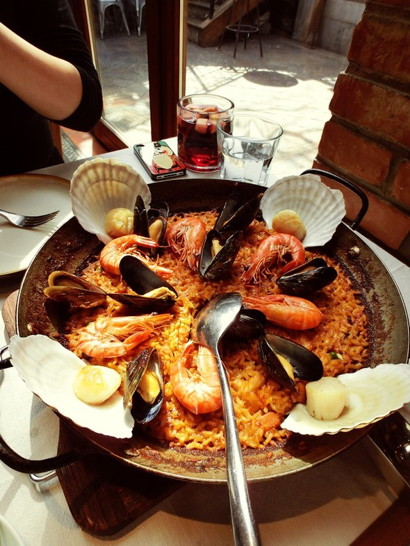 西班牙海鲜饭,芝麻菜沙拉,煎蘑菇,藏红花_刘小懒的_豆