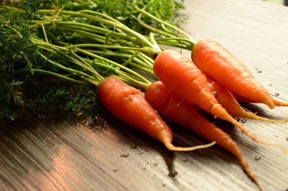 烤红萝卜-烤胡萝卜
