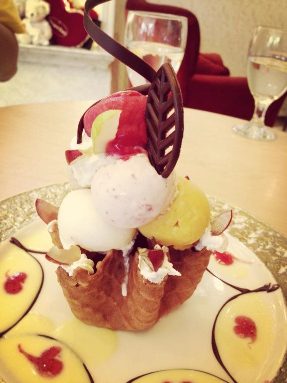 哈根达斯冰淇淋,忘记名字了
